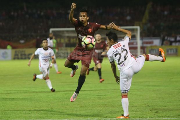 Cerita Foto : Momen Pertandingan PSM Makassar versus Bali United
