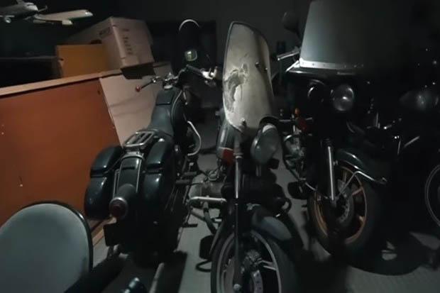 Inilah Koleksi 32 Mobil Klasik dan Belasan Motor Gede Milik BJ Habibie